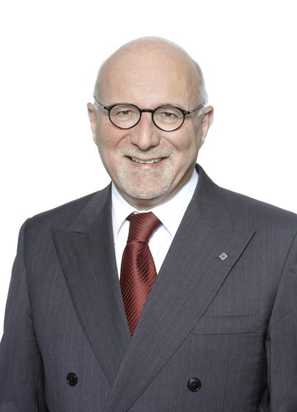 """... schon jetzt ganz herzlich willkommen heißen"""", sagt Herbert K. Haas (Foto rechts: Talanx), Vorstandsvorsitzender der Talanx AG. Torsten Leue (Foto ... - Haas"""