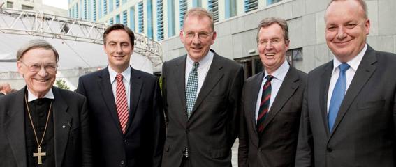 Hermann Kasten ist seit Juli 2003 Mitglied des VGH-Vorstands und wurde ...